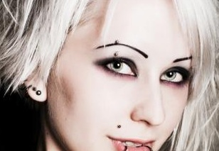 Dramatic Gothic Eye Tips