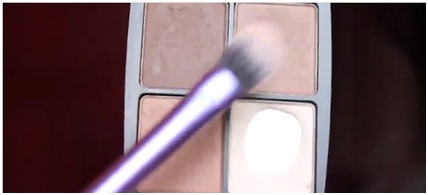 How To Use Glitter Makeup 02