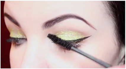 How To Use Glitter Makeup 07