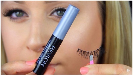 How to Apply Fake Eyelashes 03