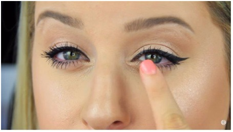 How to Apply Fake Eyelashes 4