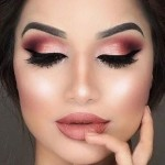How to Apply Makeup for a Party or Night Out