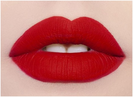 How to Apply Red Lipstick Perfectly 03