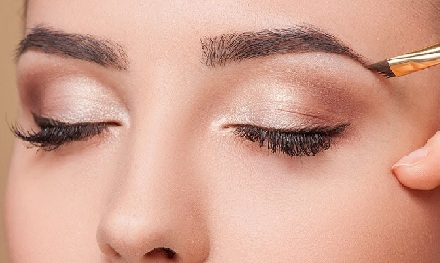 How to Define Your Eyebrows Perfectly
