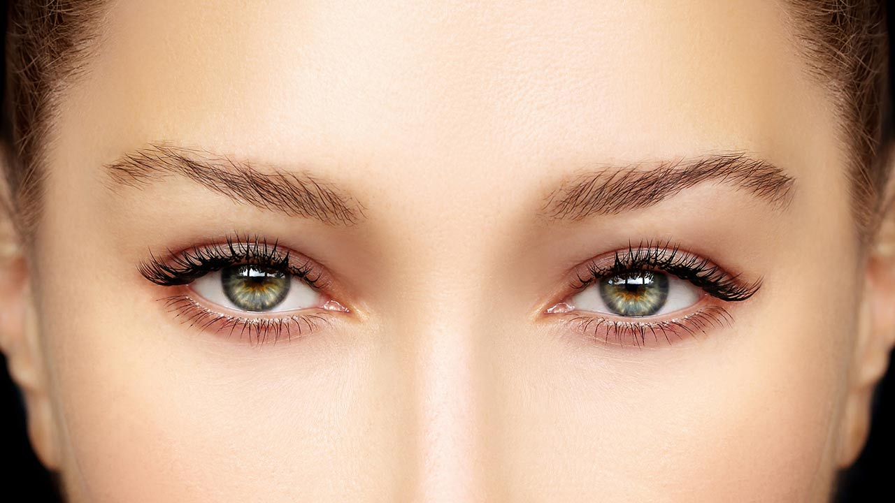 Makeup Tips and Tricks to Make Your Eyes Look Brighter
