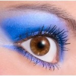 How to Wear Neon Blue Eyeshdow