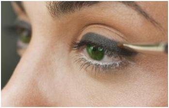 Smoky Eyes in Six Steps