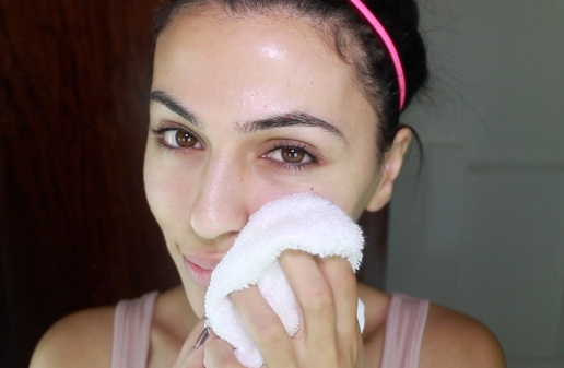 How to Exfoliate with a Washcloth