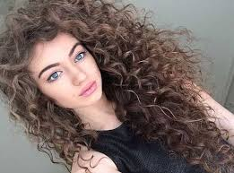 Ways to Style Very Curly Hair